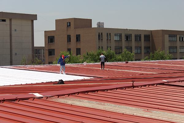 厂房彩钢瓦屋面喷涂除锈翻新