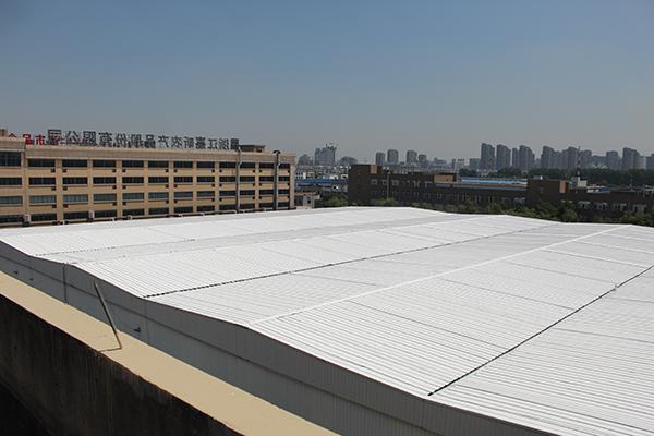 厂房彩钢瓦屋面喷涂除锈翻新效果图