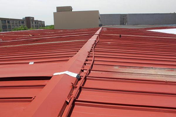 彩钢瓦屋面翻新施工需要注意什么?